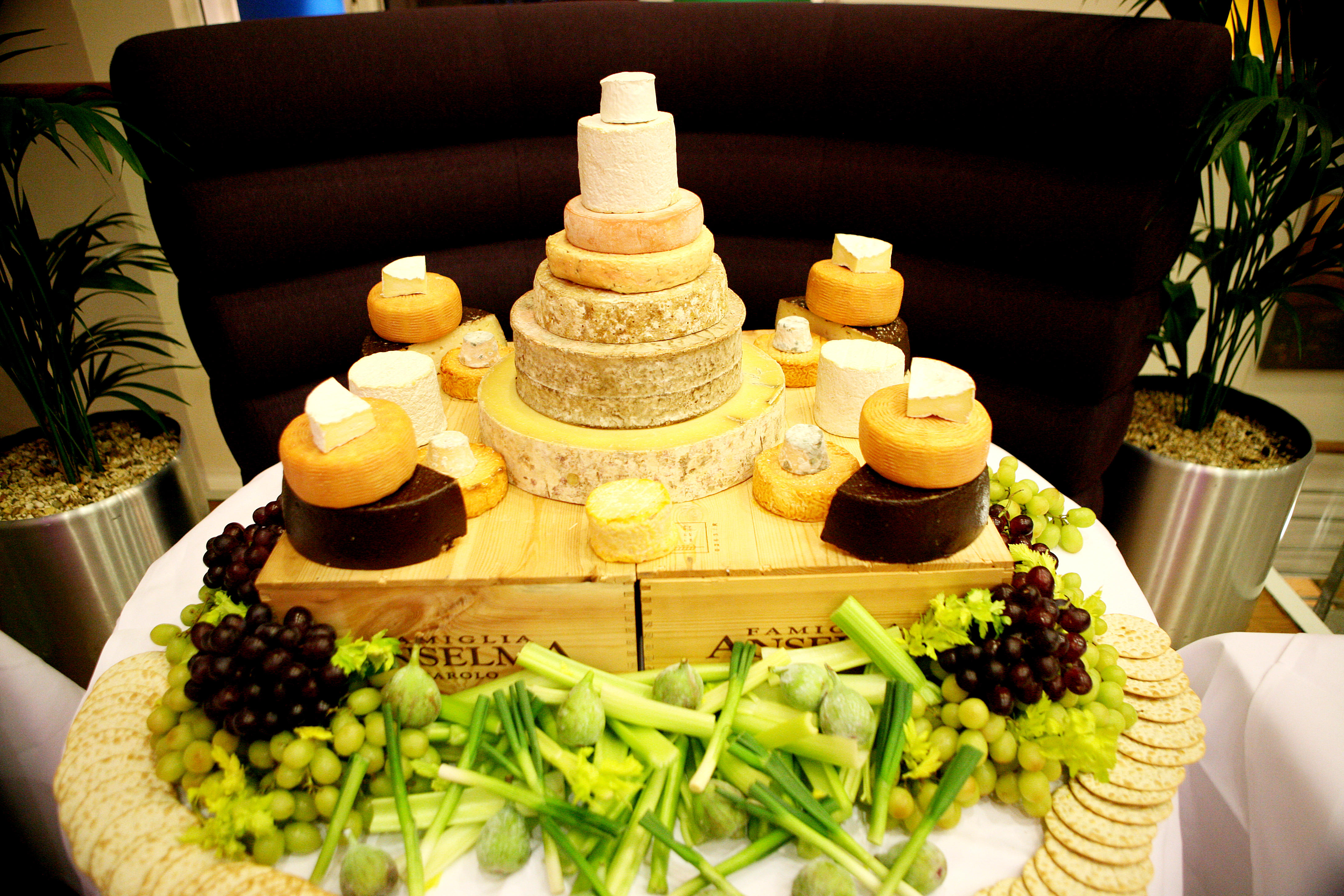 Unique wedding cake ideas: a cheese tower cake