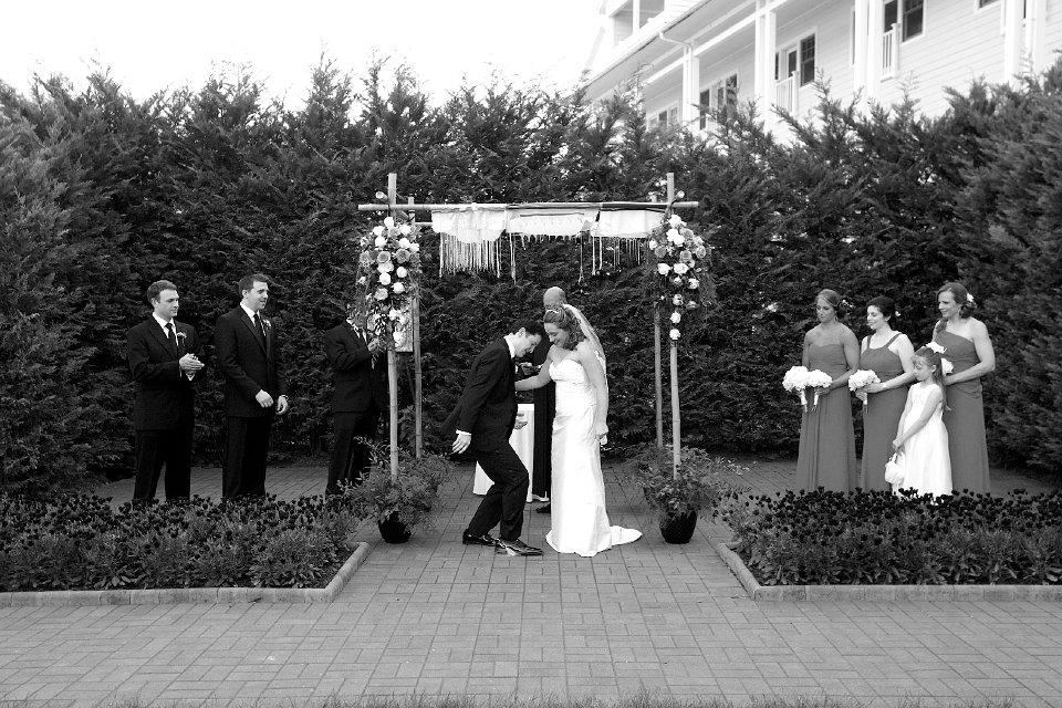 wedding breaking glass
